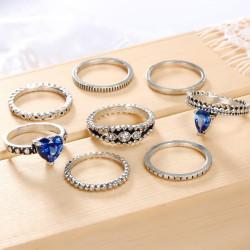 Set de 8 piezas de anillos...