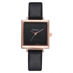 Elegante Reloj Cuadrado