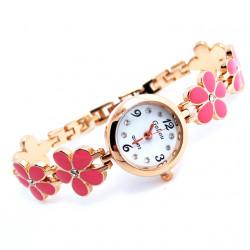 Reloj color oro con una...